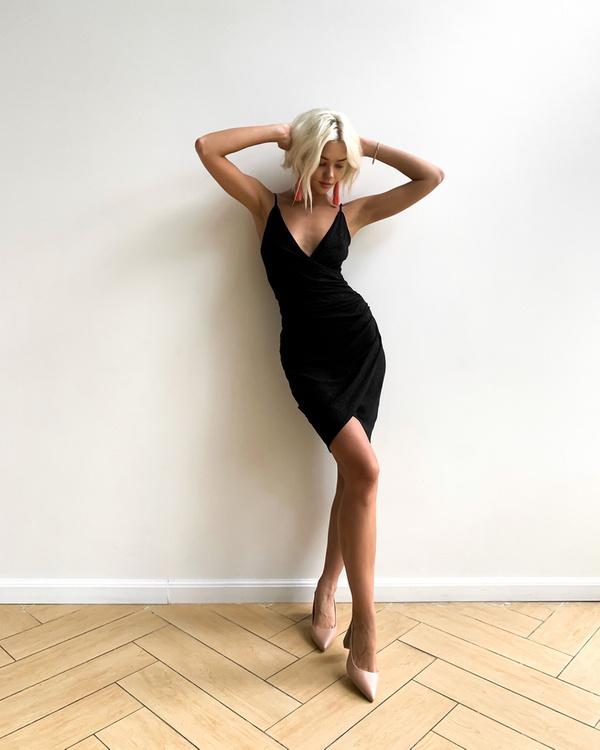 Krótka Sukienka Bella z brokatem- czarny